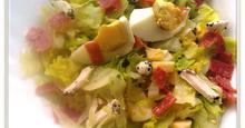Πικάντικη σαλάτα  με σάλάμι, τυρί και αυγό!