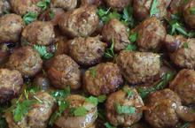 Baked meatballs with onions - Recipes - Chefoulis