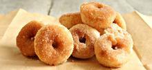 Πανεύκολα μίνι ντόνατς με ζάχαρη