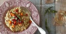 Ριζότο με κολοκύθα, καβουρδισμένο κουκουνάρι και μπλε τυρί