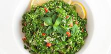 Συνταγή: Σαλάτα με μαϊντανό, κους κους, κόλιανδρο, άνηθο, λεμόνι, πιπεριά, κρεμμυδάκι
