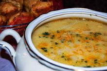 Σούπα με τυρί και ζαμπόν/Ham and cheese soup