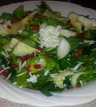 Πράσινη σαλάτα με goji berries  