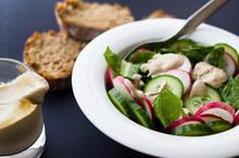 Green Salad with Tahini Dressing - Πράσινη σαλάτα με νηστίσιμο dressing