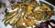 Τηγανητά Ψάρια με Καλαμποκάλευρο