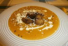 Κολοκυθόσουπα βελουτέ με πικάντικα κρουτόν