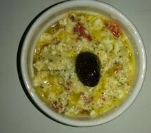 Σαλάτα με φέτα κοπανισμένη και ψητή πιπεριά Φλωρίνης