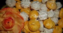 Μαρέγκες ή μπεζέδες με γεύση πορτοκάλι