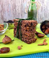 Μπάρες βρώμης με ξερά φρούτα και ξηρούς καρπούς- Dried fruit nut oat bars