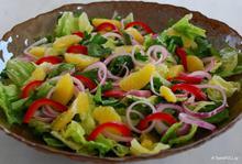 Πράσινη σαλάτα με φιλετάκια πορτοκαλιού