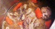 Σπιτικός Ζωμός κοτόπουλο Homemade chicken stock