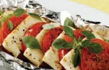 Χαλούμι ψητό με ντομάτα στο αλουμινόχαρτο