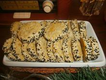 Μπισκότα παρμεζάνας με παπαρουνόσπορο