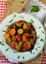 Μπριάμ: το απόλυτο καλοκαιρινό ελληνικό πιάτο! – Briam,the ultimate greek summer dish!