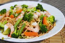 Σπαγγέτι με γαρίδες, μπρόκολο και αντζούγιες