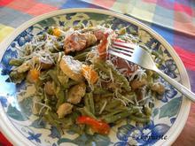 Χωριάτικα Στριφτάρια με Σπιρουλίνα και Κρίταμο με Λουκάνικο και Πιπεριές για Μεσογειακή Διατροφή