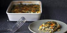 Συνταγή: Γλυκοπατάτες με σπανάκι, κρέμα γάλακτος, μοσχοκάρυδο, θυμάρι, παρμεζάνα