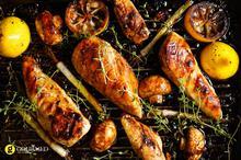 Ψητό στήθος κοτόπουλο στο μπάρμπεκιου με μανιτάρια