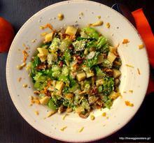 Πράσινη σαλάτα με καρύδι κ άρωμα πορτοκάλι
