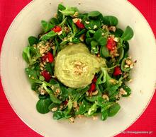 Σαλάτα με βαλεριάνα, φουντούκια κ μους από κατίκι κ αβοκάντο – Valerian salad with hazelnuts and ricotta avocado mousse