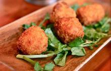 Κροκέτες με χαλούμι και δυόσμο - Συνταγές Μαγειρικής - Chefoulis