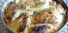 Συνταγή: Σπανακοτυρόπιτα με φέτα, γκούντα, τσίλι, ρίγανη