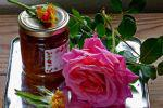 Επιτέλους, γλυκό τριαντάφυλλο, των Αγλαΐας Κρεμέζη, Κώστα Μωραΐτη