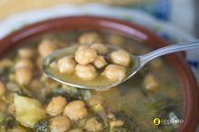 Σούπα με σπανάκι, ρεβύθια και σαφράν
