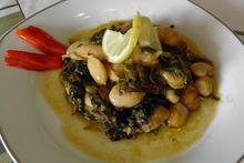 Γίγαντες με σπανάκι ή άγρια χόρτα στον φούρνο - Συνταγές Μαγειρικής - Chefoulis