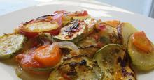 Κολοκυθάκια με διάφορα λαχανικά στον φούρνο !!!