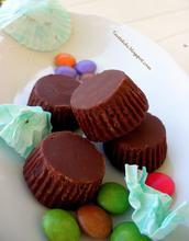 Κεράσματα με fudge σοκολάτας και βανίλια