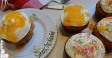 Cupcakes γεμιστά με σος βερίκοκο