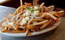 Πατάτες τηγανητές με σάλτσα γιαουρτιού - Συνταγές Μαγειρικής - Chefoulis
