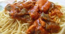 Μακαρονάδα με φιλέτο κοτόπουλο και πιπεριές