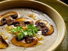 Βελουτέ σούπα με λευκά μανιτάρια