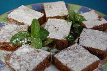 Συνταγή: Καρυδόπιτα με βούτυρο, ζάχαρη, κουβερτούρα, αβγά, βανίλια, σαντιγί, γάλα