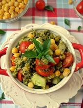 Pesto chickpeas with bulgur and cherry tomatoes