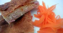 Τυρόπιτα με μπεσαμέλ και μπέικον