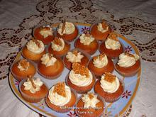 Νηστίσιμα cupcakes ταχινιού με κρέμα παστέλι σουσαμιού... μια μοναδική γεύση