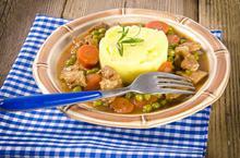 Φασολάκια ή αρακάς με μοσχάρι - Συνταγές Μαγειρικής - Chefoulis