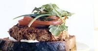 Vegetarian Burger με πλιγούρι και αρωματισμένo με λάιμ μαγιονέζα - Lovecooking.gr