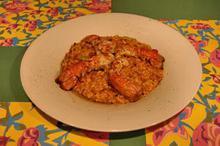 Συνταγή: Ριζότο με καραβίδες, κρεμμύδι, λευκό κρασί, μπισκ, εστραγκόν, σπαράγγια, παρμεζάνα, κονιάκ, καρότο σέλινο, θυμάρι