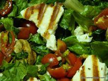 Σαλάτα αρωματισμένη με βασιλικό και σκόρδο – Basil and garlic scented salad