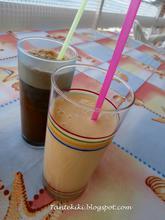 Γιαουρτοποτό - smoothie με ροδάκινο και...καθένας το ποτό του
