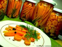 Καρότο τουρσί με διάφορα μυρωδικά