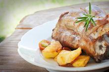 Αρνί στην γάστρα με κληματόβεργες - Συνταγές Μαγειρικής - Chefoulis
