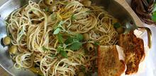 Συνταγές: Zυμαρικά με ξύσμα λεμονιού, ελιές και ρίγανη