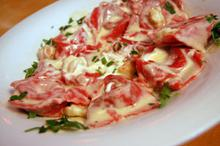 Συνταγή: Ραβιόλια με γέμιση λαχανικών και αστακού