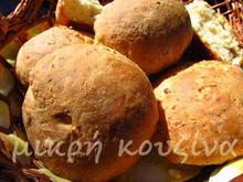 Παγκόσμια ημέρα ψωμιού: Ψωμάκια με φέτα- Bread rolls with feta cheese