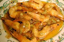 Συνταγή: Γαρίδες με μαστίχα, λικέρ, λαίμ, κρεμμύδια